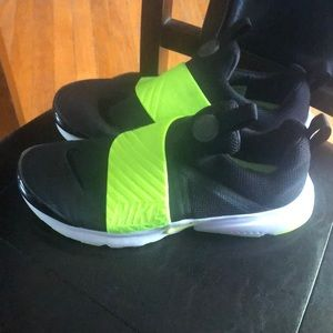 Nike shoes 7y fit women's 8